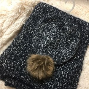 Jessica Simpson Hat And Scarf Set
